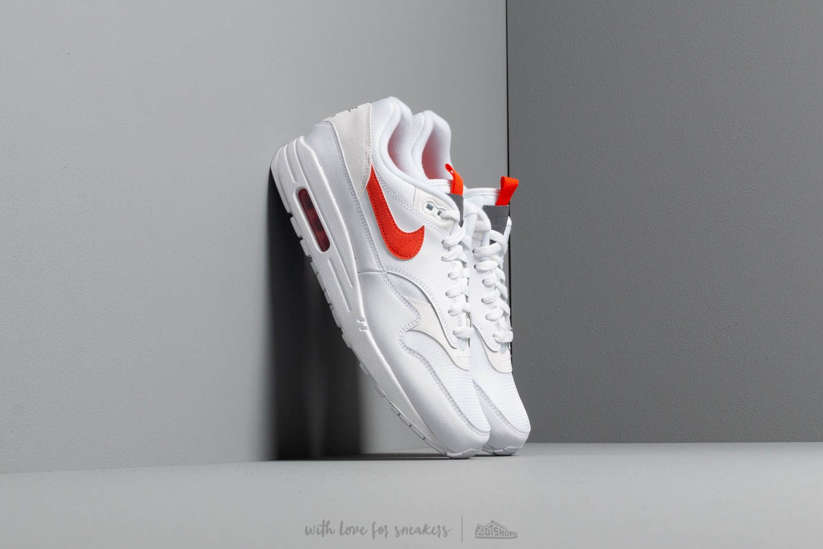 new product 7427a adc11 Nike Air Max 1 Se White  Team Orange at a great price £111 buy