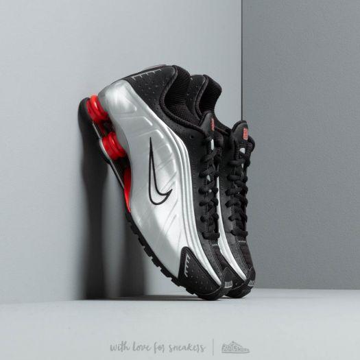 Nike Shox R4Black/ Metallic Silver