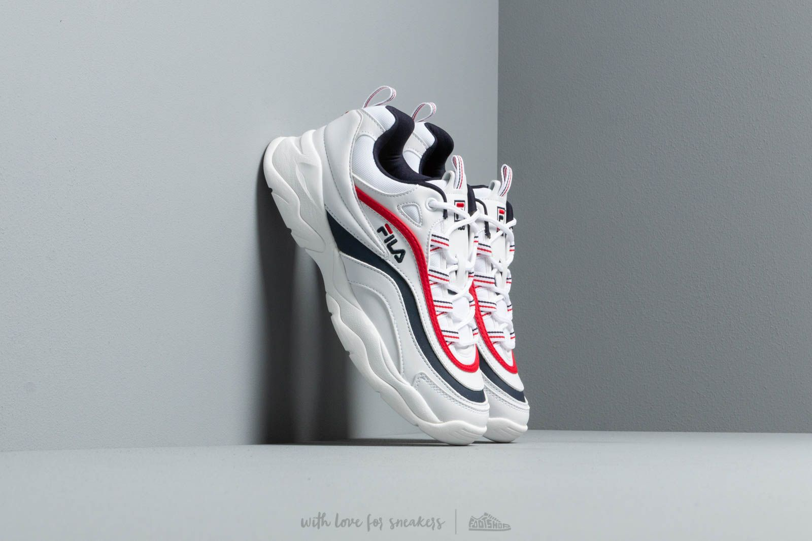 Women's shoes Fila Ray low wmn White / Fila Navy / Fila Red