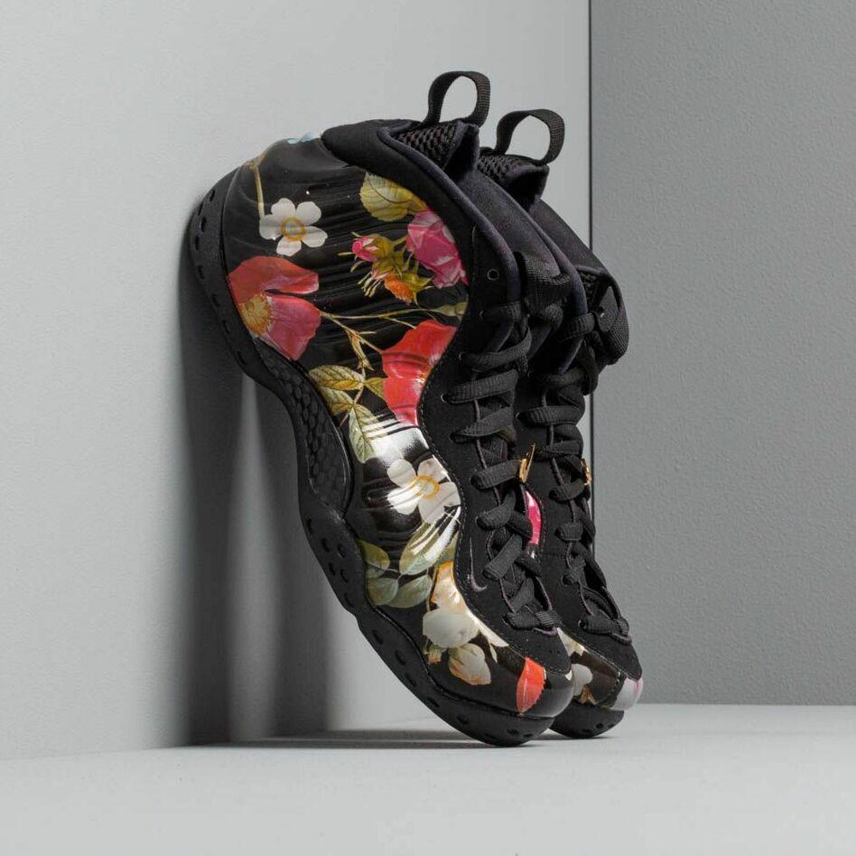 Nike W Air Foamposite One Black/ Black-Metallic Gold EUR 38.5