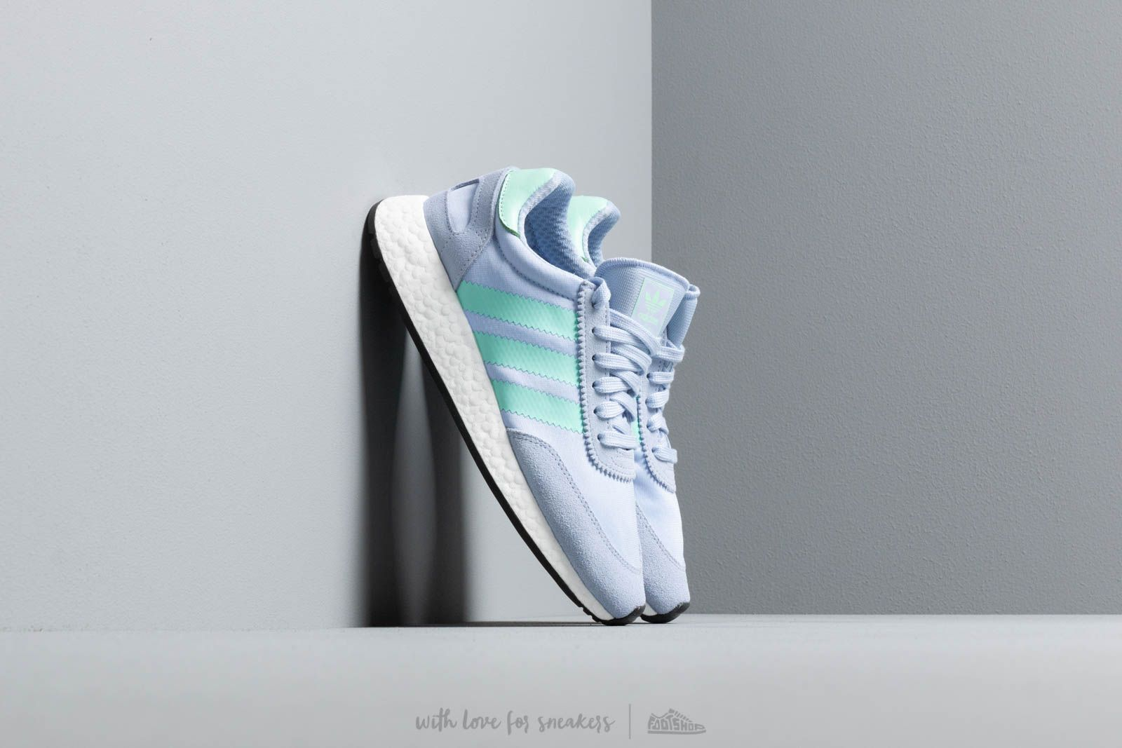 adidas I-5923 W Periwi/ Clear Mint/ Core Black at a great price 125 € buy at Footshop
