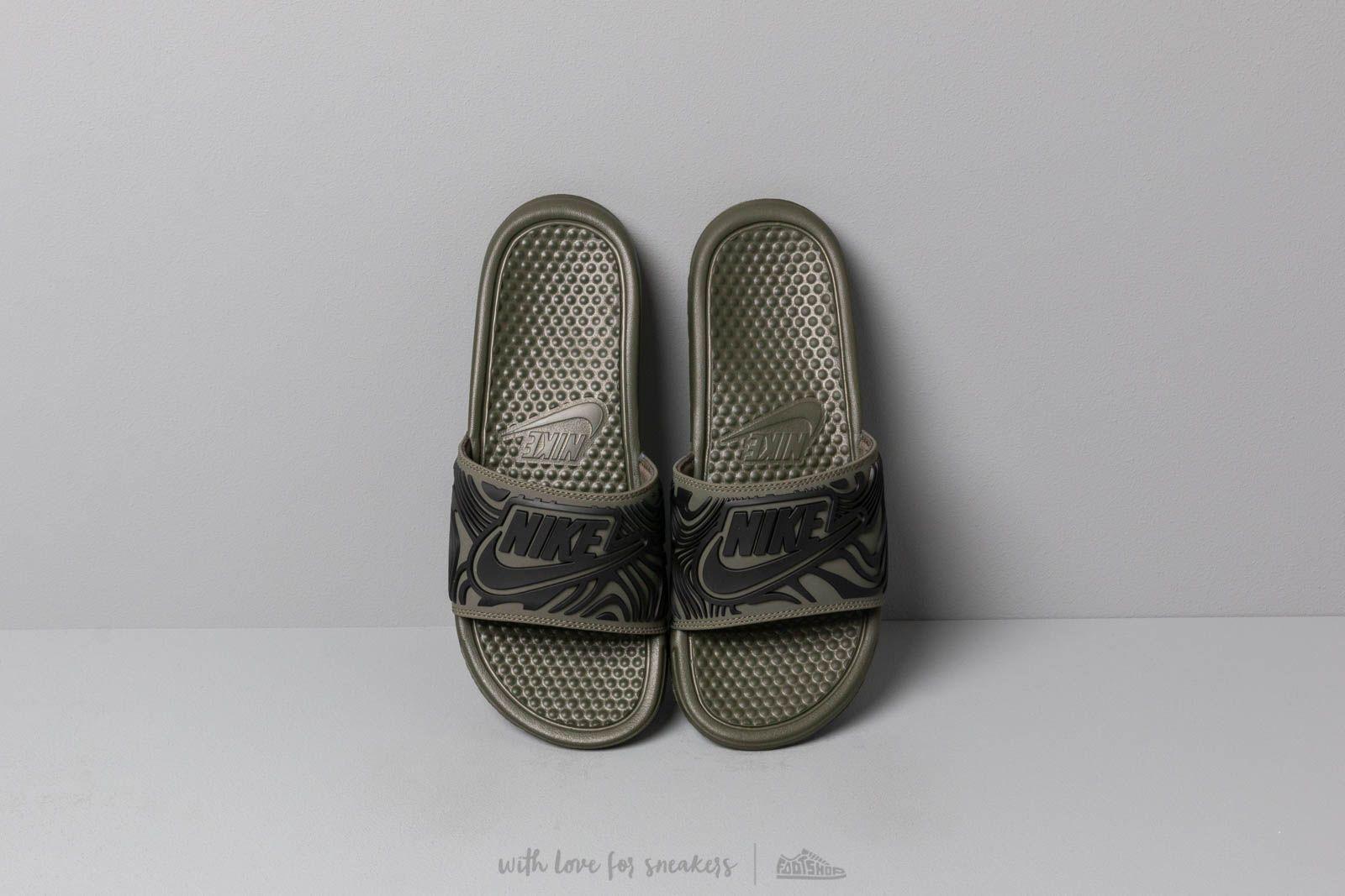 Nike Benassi Jdi Se Cargo Khaki  Black-Black at a great price £26 8b3e05a0123