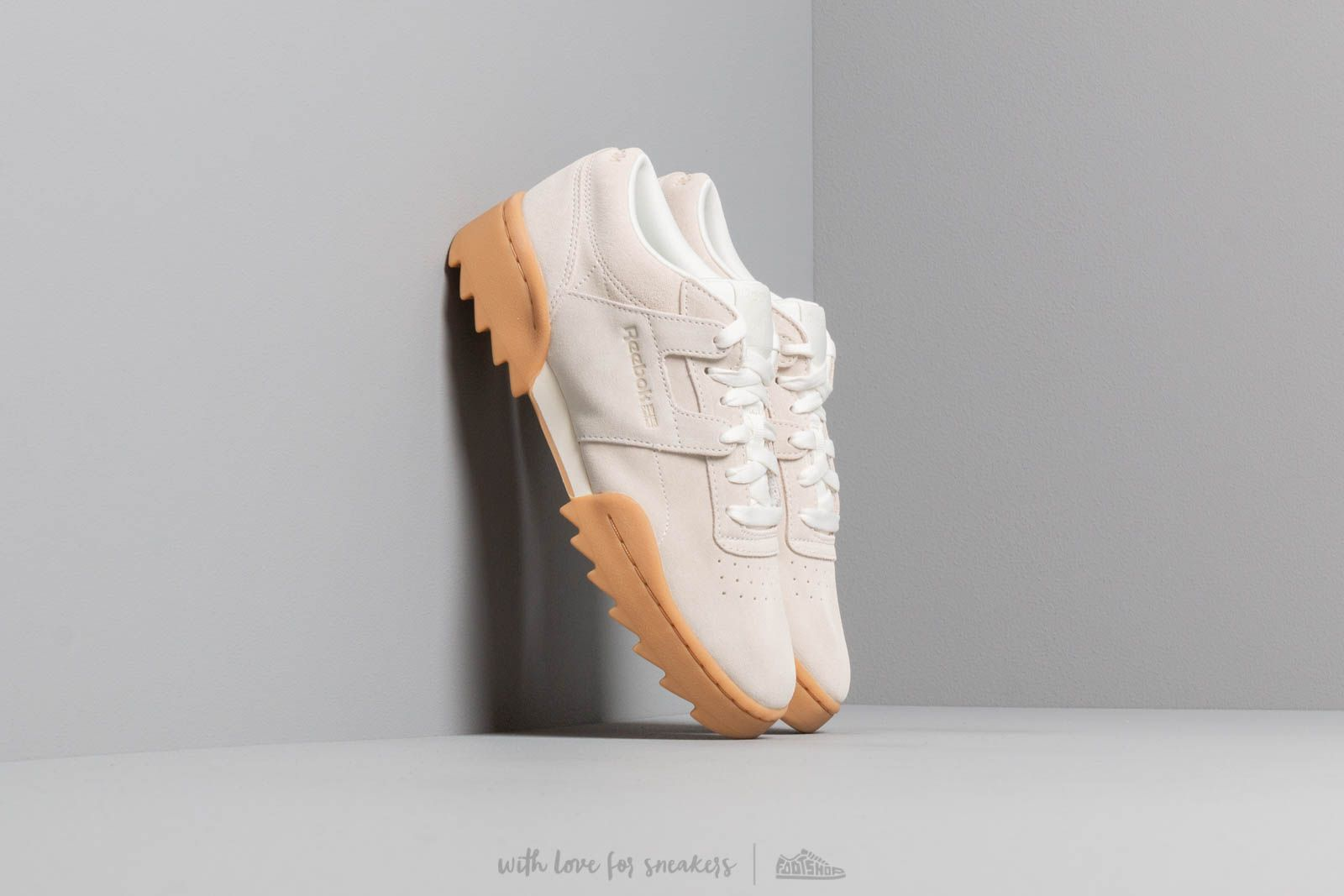 06ee8126b0b Reebok Workout Ripple OG W Chalk  Gum at a great price 106 € buy at