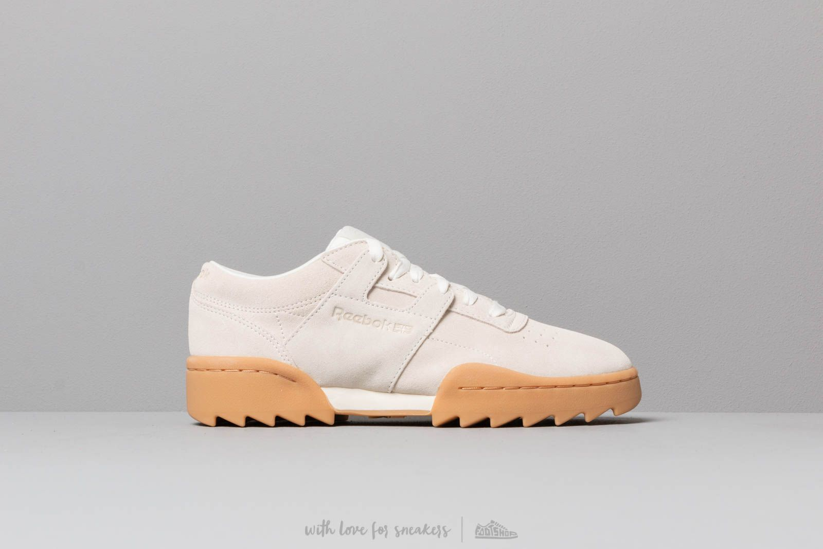 b8272361b349c Reebok Workout Ripple OG W Chalk  Gum at a great price 106 € buy at