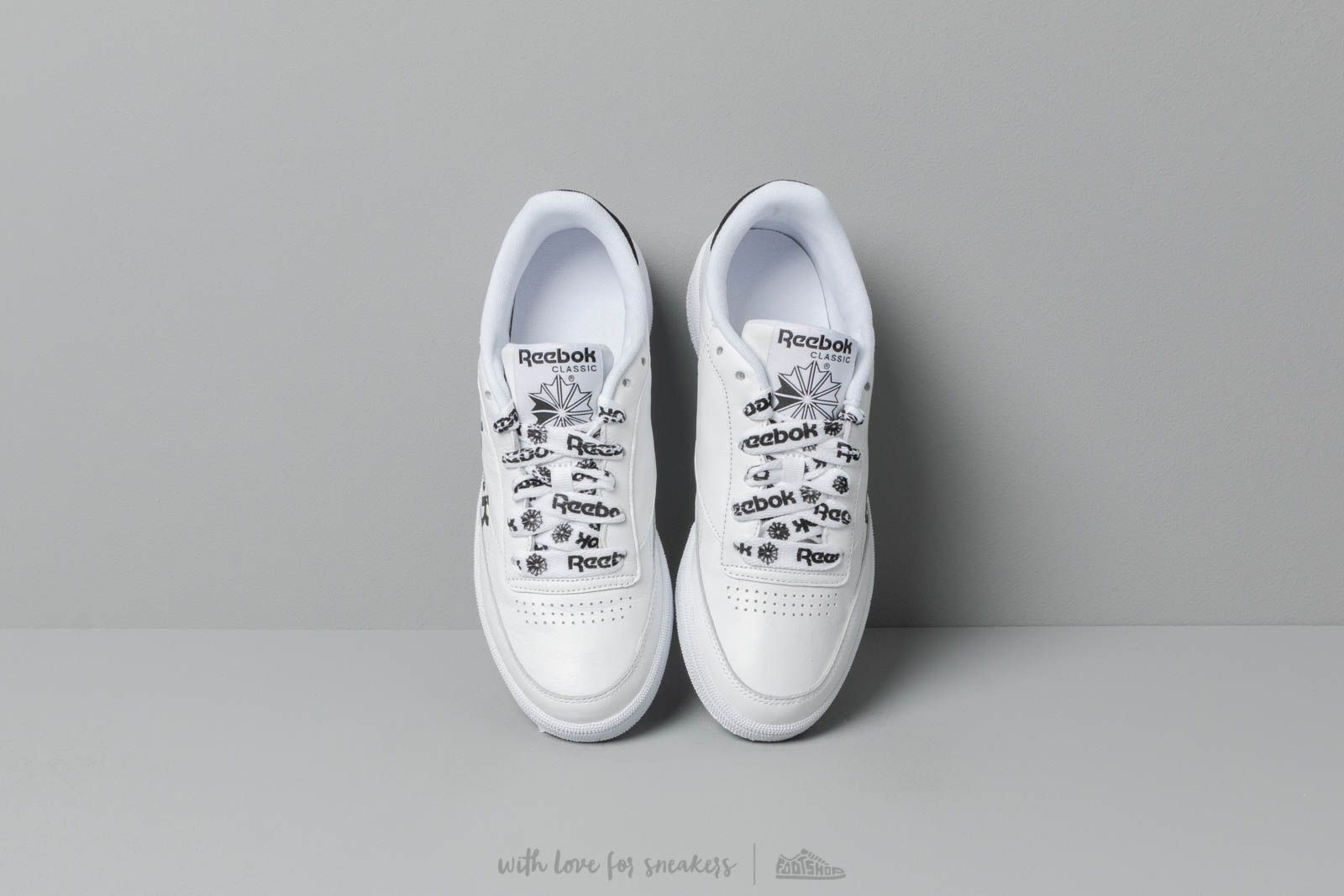 0840cd34887 Reebok Club C 85 W White  Black at a great price 106 € bestell bei