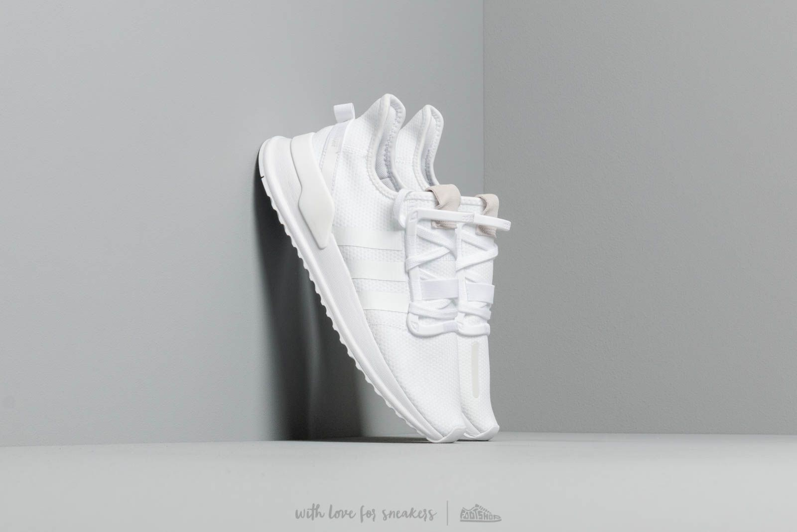 Chaussures et baskets homme adidas U Path Run Ftw White/ Ftw White/ Core Black