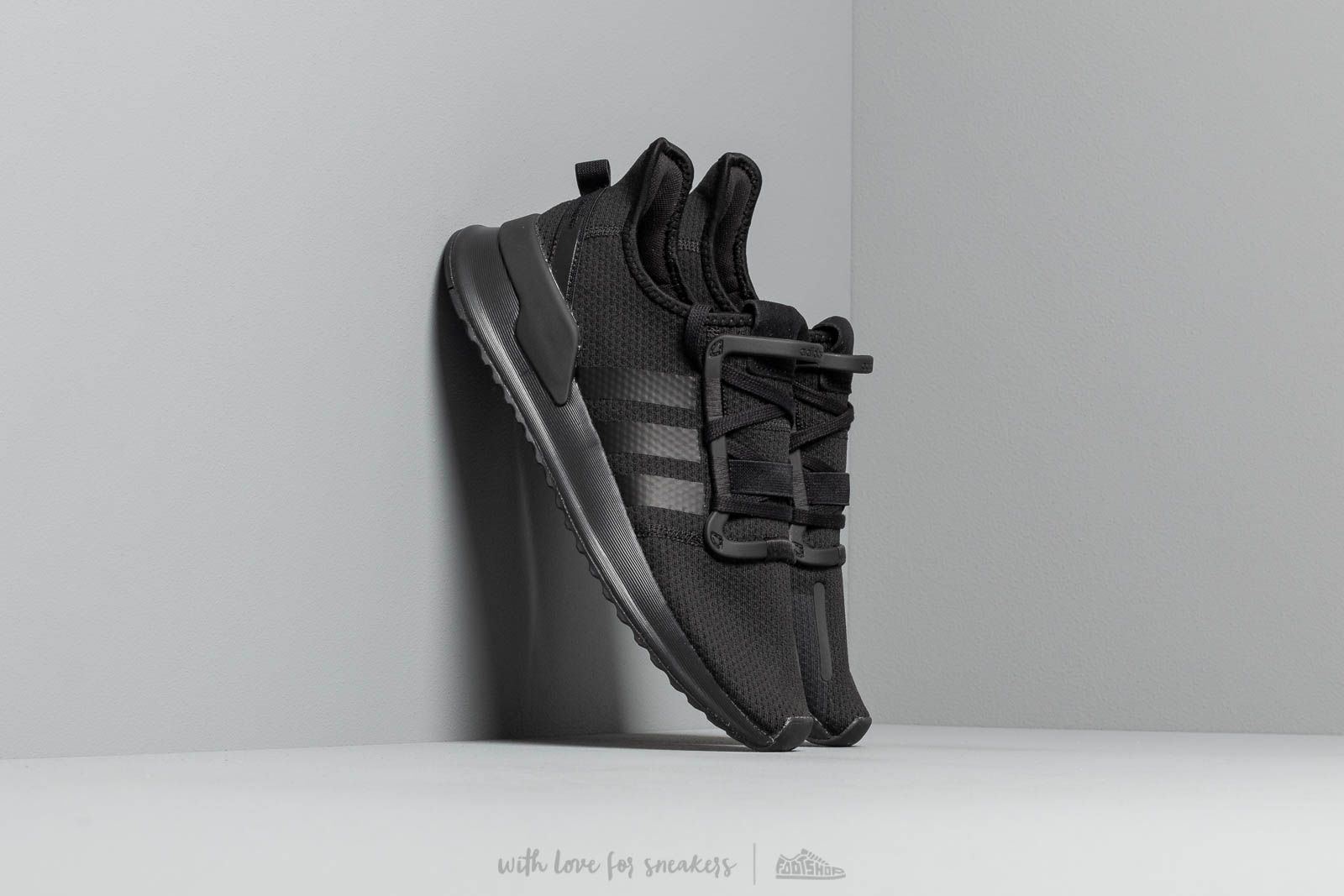 68b56542a adidas U Path Run Core Black  Core Black  Ftw White at a great price