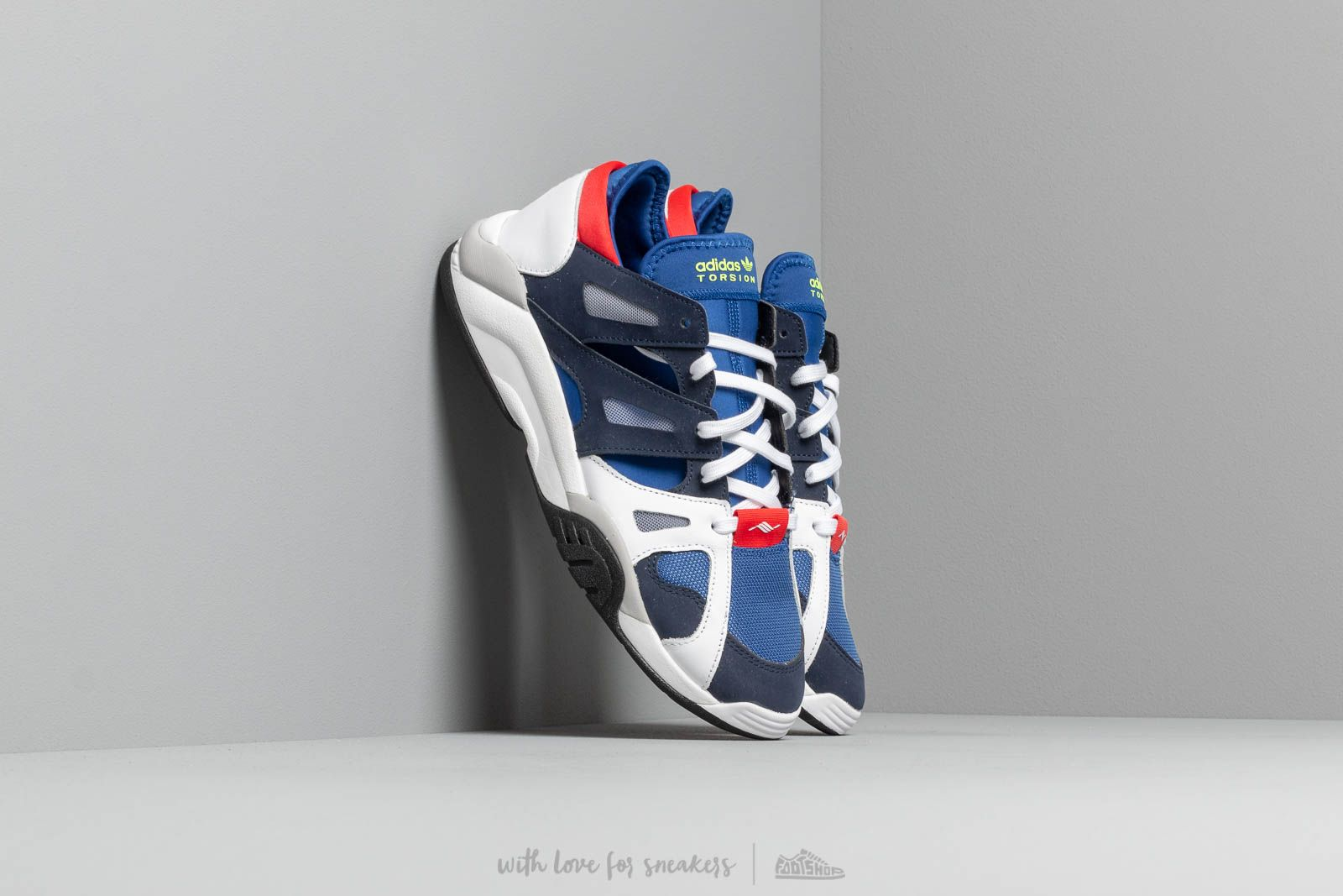 Men's shoes adidas Dimension Lo Croyal/ Core Navy/ Ftw White