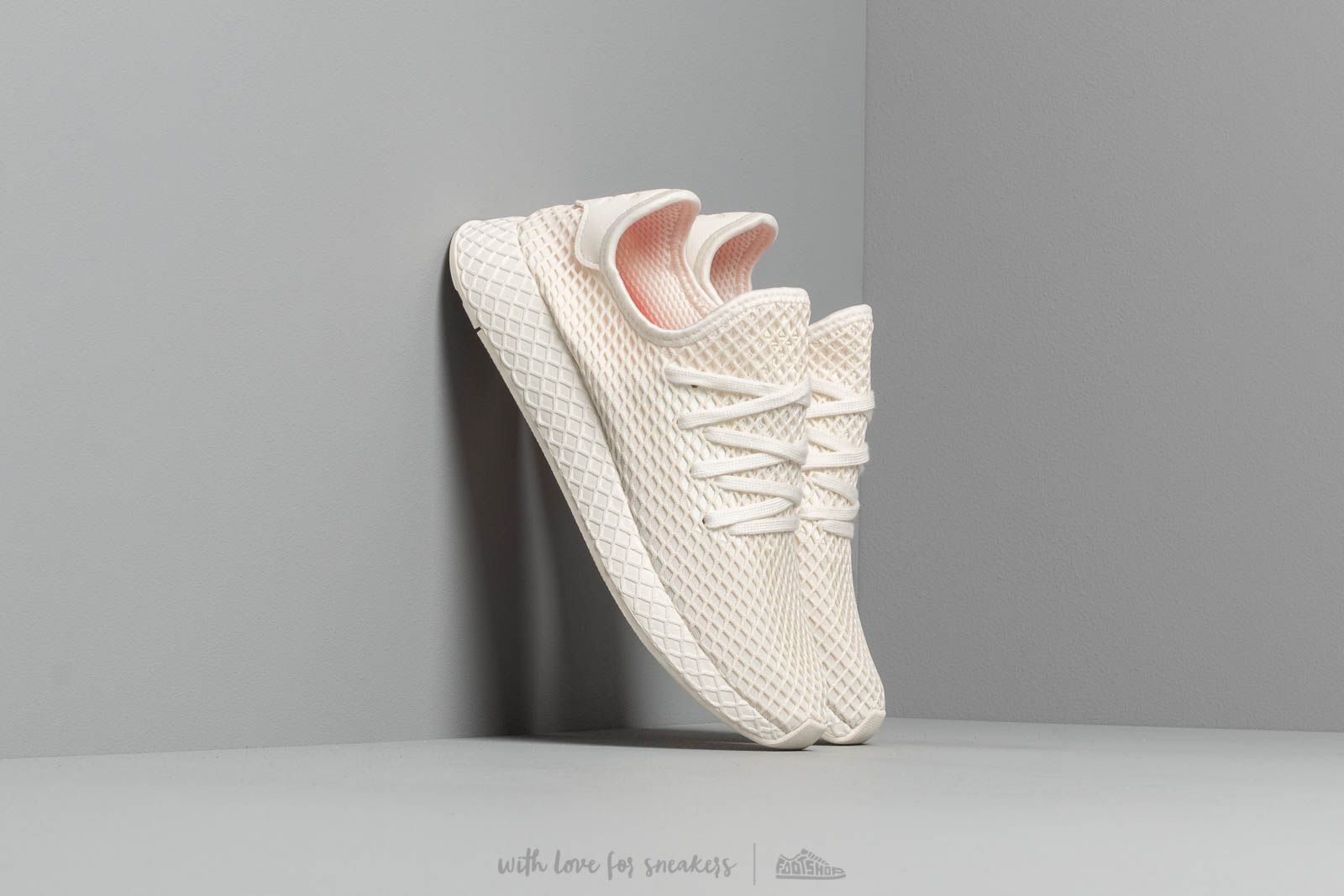 d083edeec524a adidas Deerupt Runner Off White  Ftw White  Shored at a great price 92 €