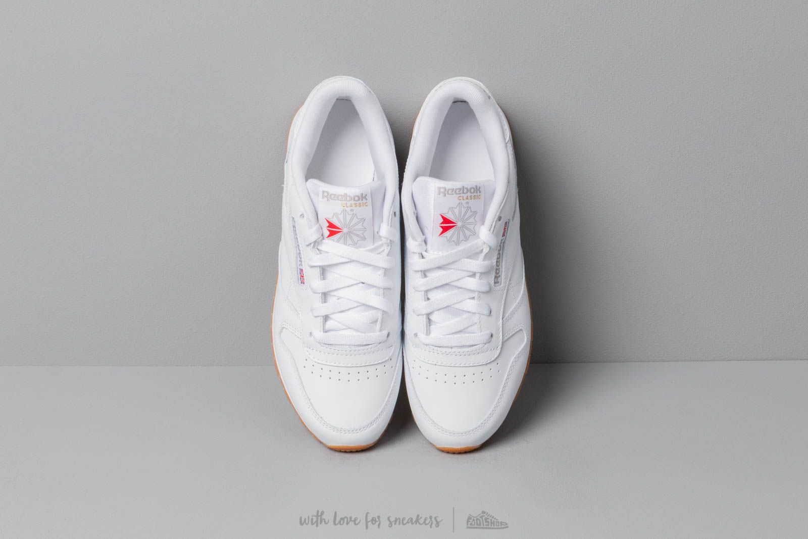 c1436ab0ba4 Reebok W Classic Leather White  Gum at a great price 80 € bestell bei  Footshop
