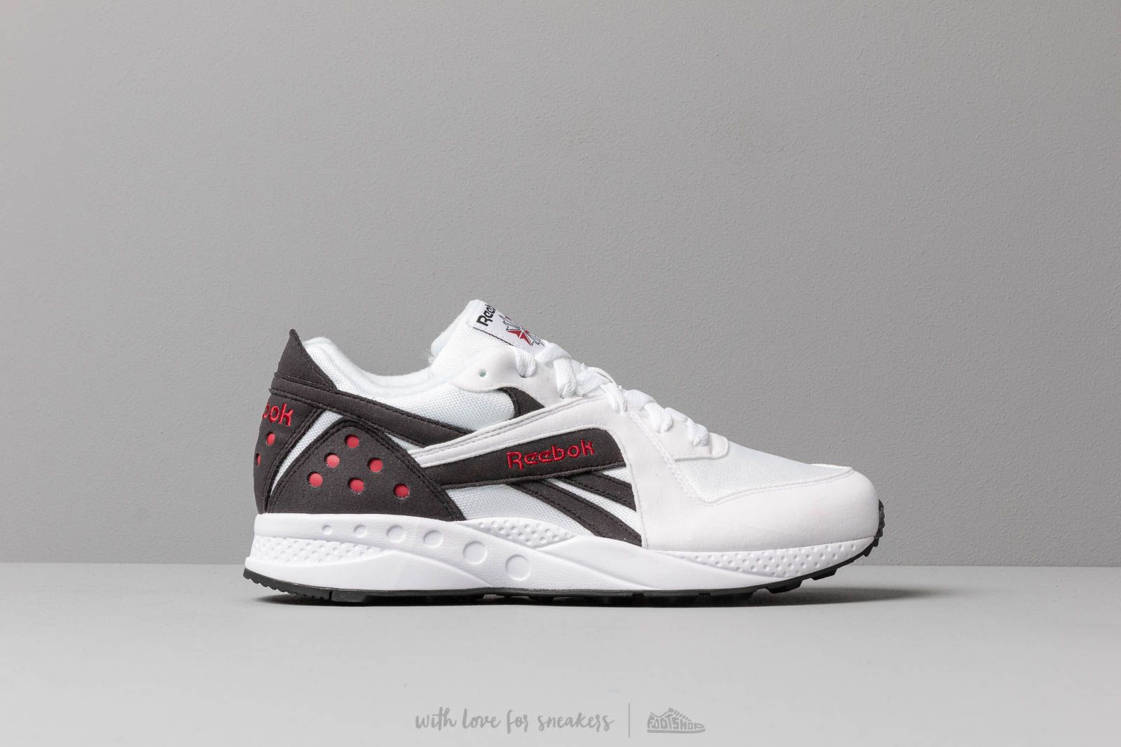 498336b03c5 Reebok Pyro White  Black  Cranberry Red at a great price 75 € buy at