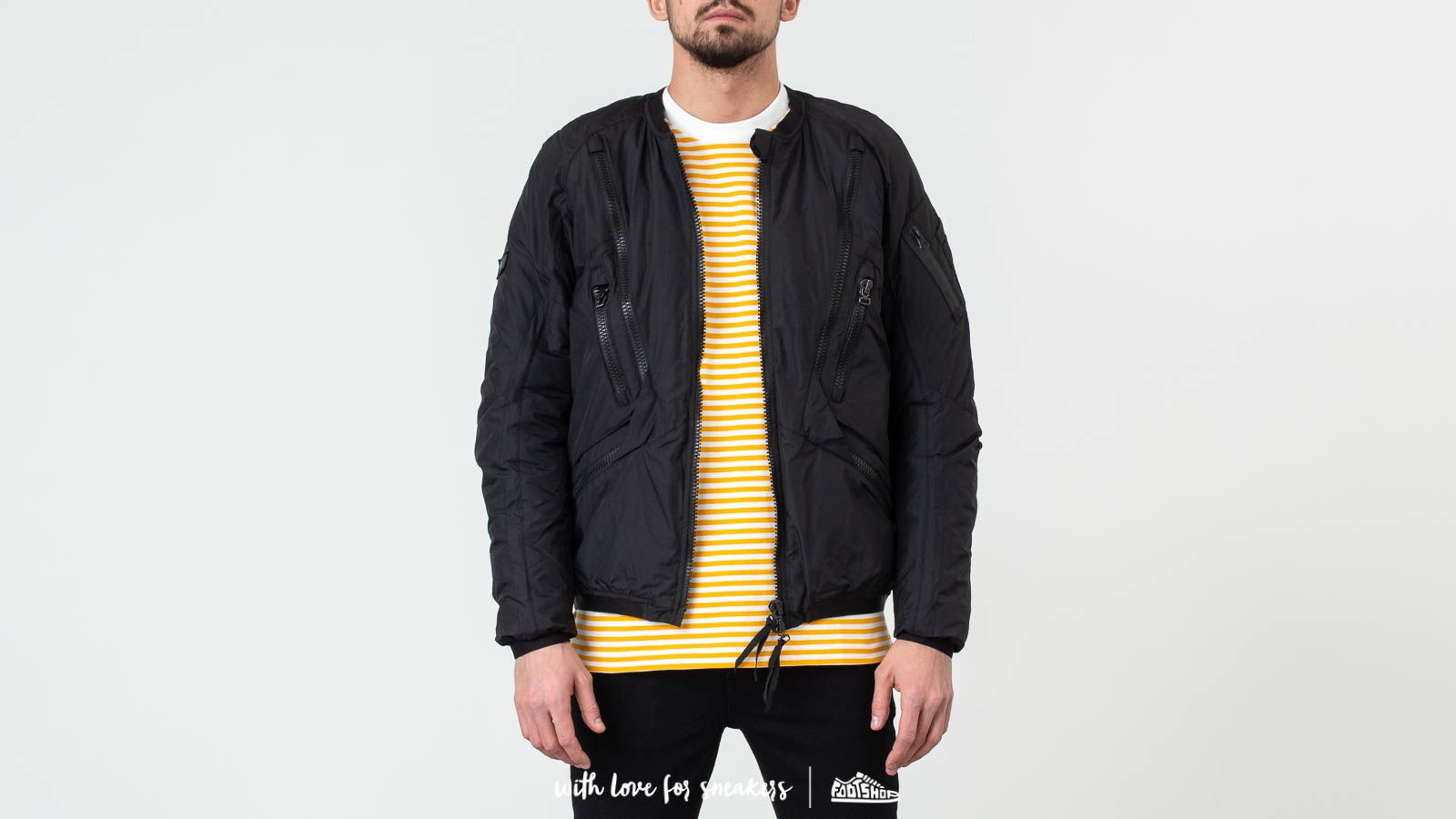 Riot Division Urban Insulated Bomber Black at a great price 289 € buy at Footshop