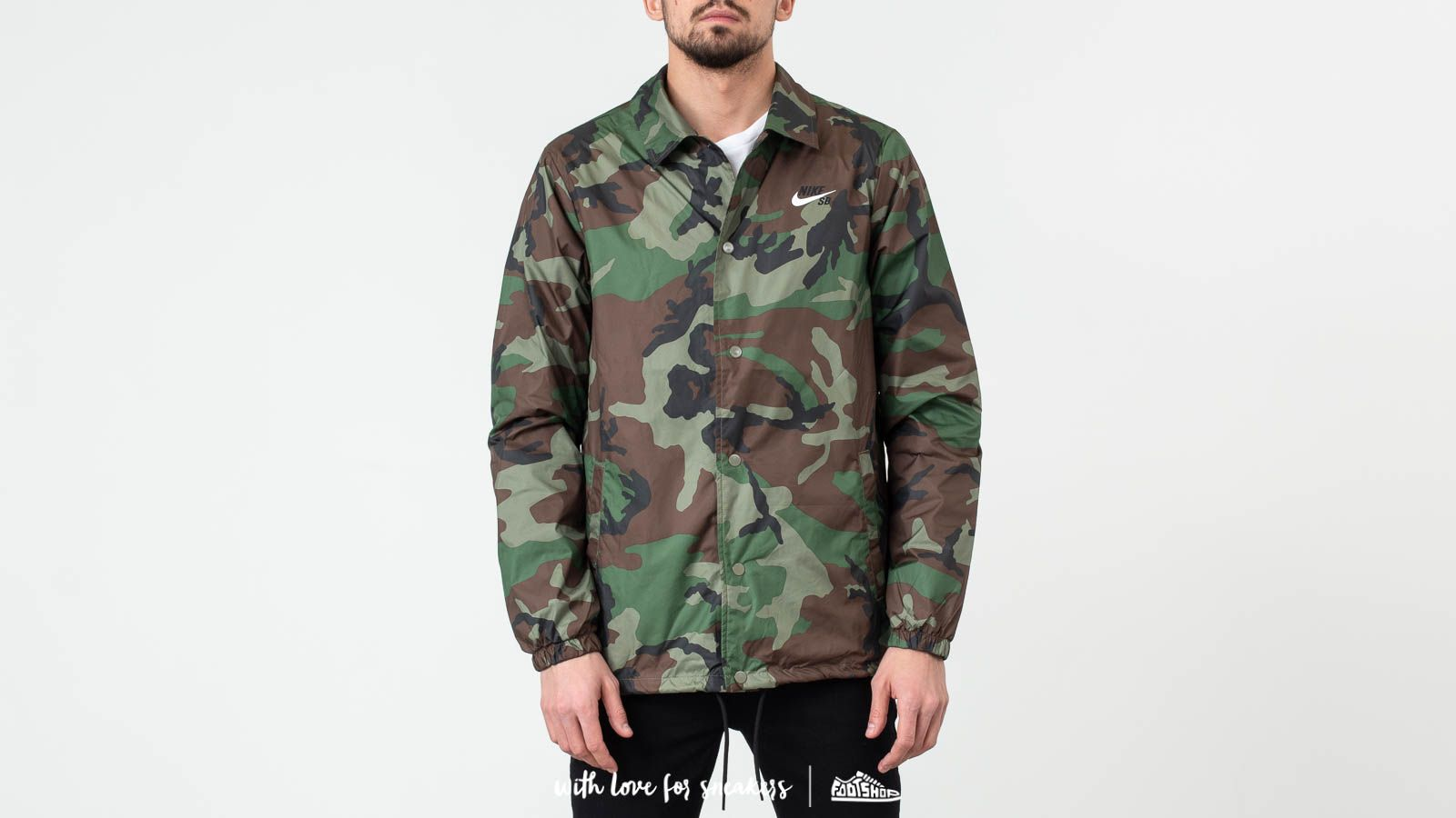 wholesale dealer e187c 2d9ce Nike SB Coach Jacket Medium Olive  White at a great price 77 € buy at