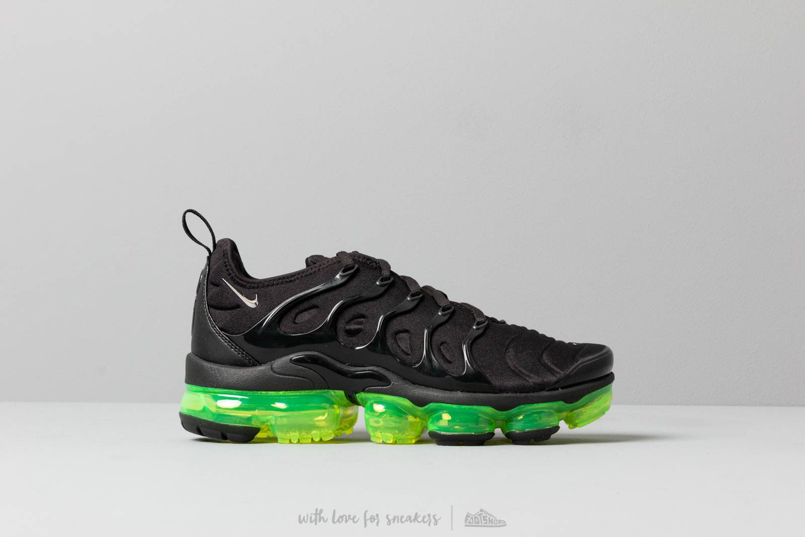 7f31682828507 Nike Air Vapormax Plus Black  Reflect Silver-Volt W super cenie 930 zł kupuj