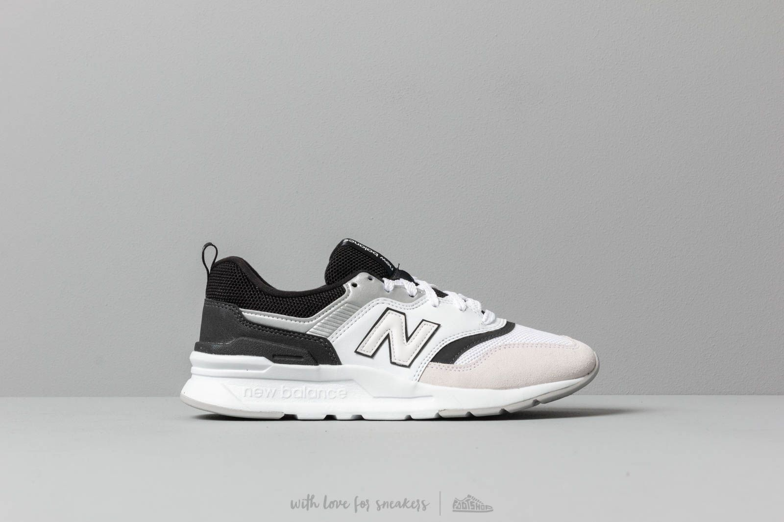 sneakers for cheap 7e23c 26d3d New Balance 997 White  Black at a great price 88 € buy at Footshop