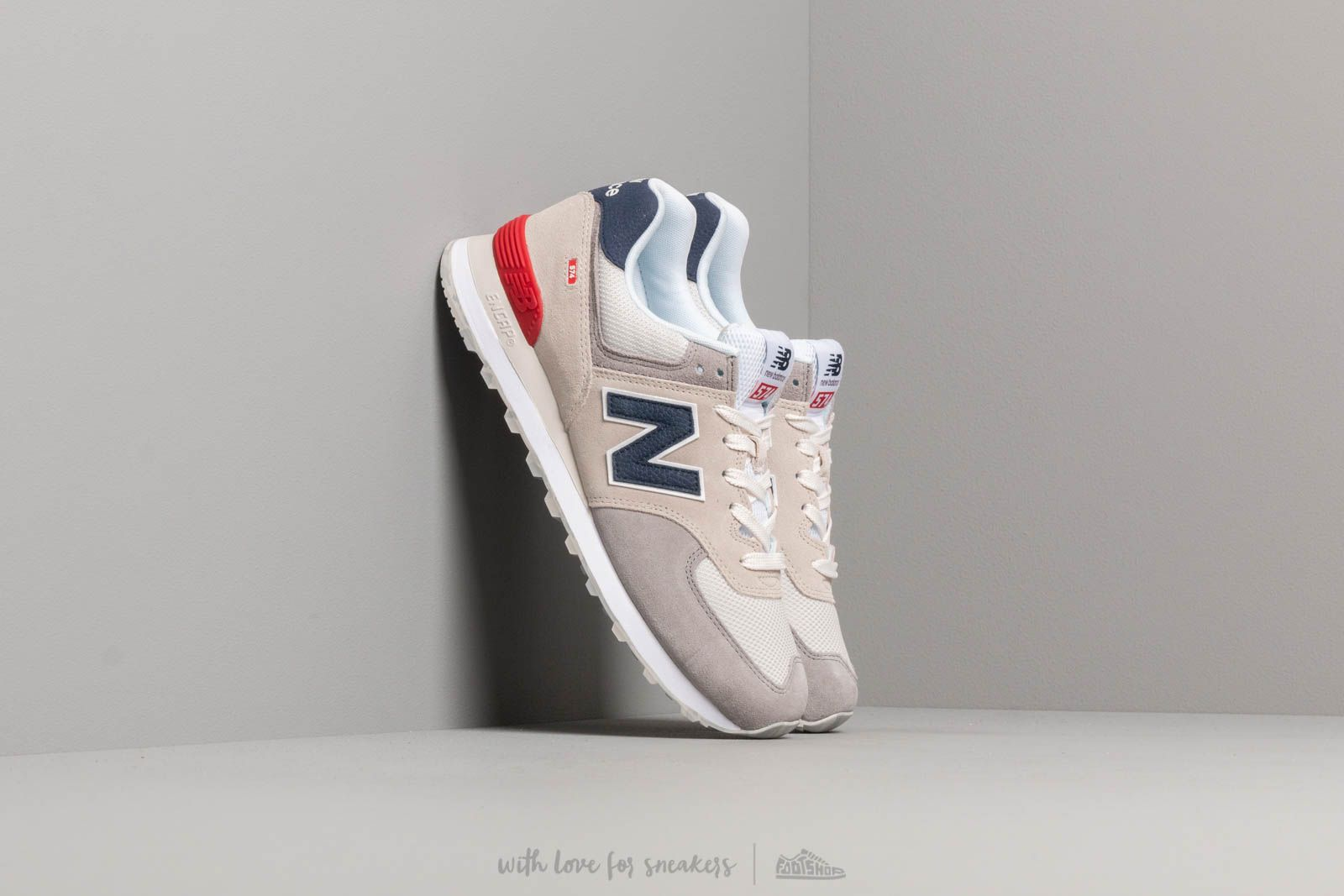 New Balance 574 Grey/ Blue/ Red at a great price 88 € buy at Footshop