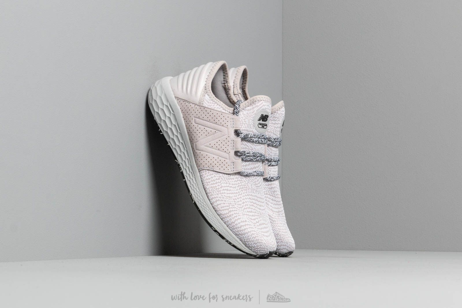 New Balance Cruz Grey za skvělou cenu 2 390 Kč koupíte na Footshop.cz