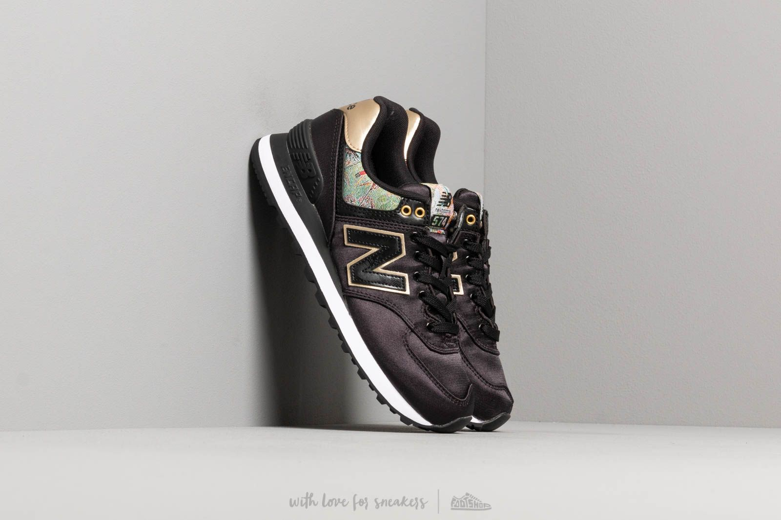 New Balance 574 Black/ Gold | Footshop