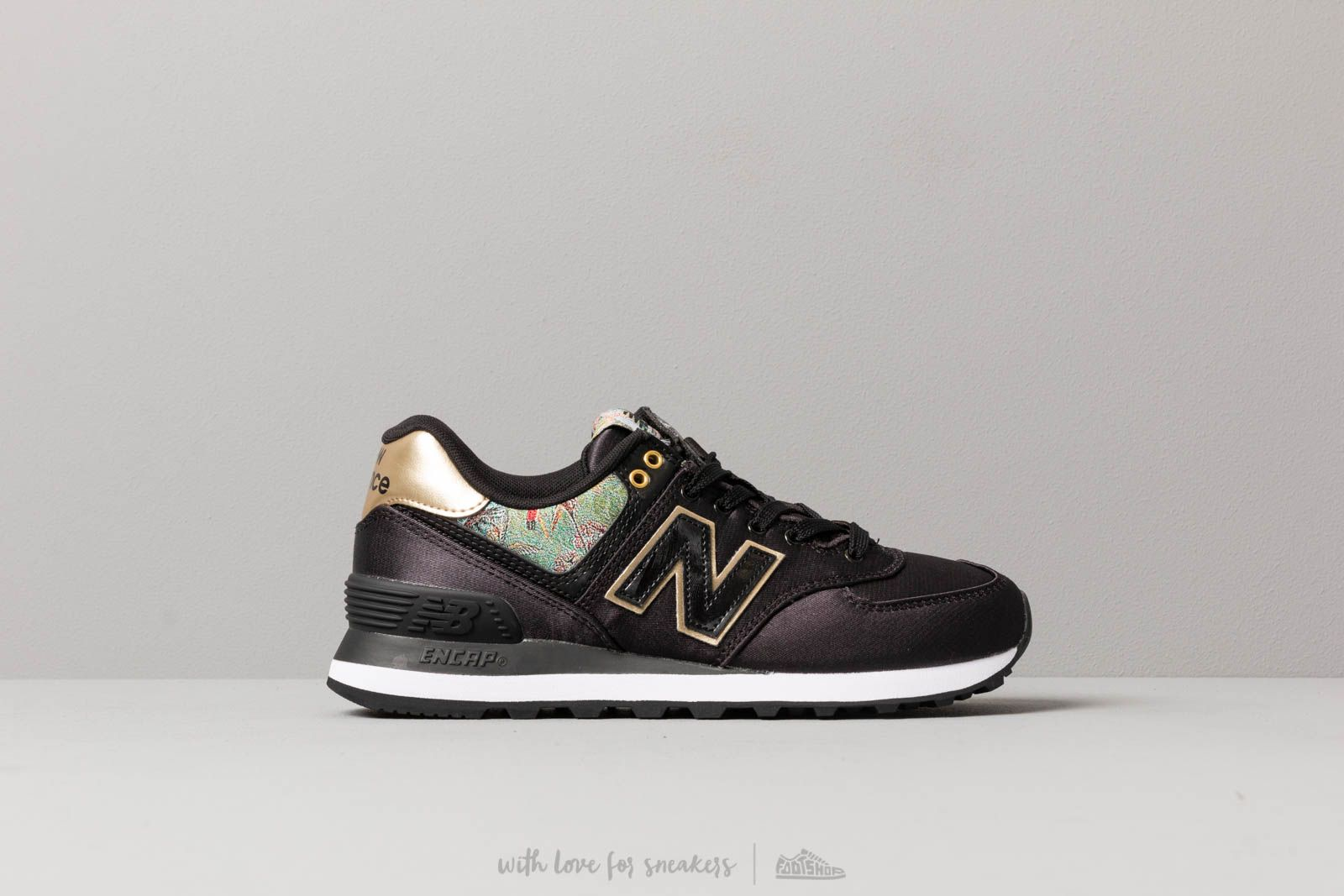 new product 2292a 7684c New Balance 574 Black  Gold at a great price 88 € buy at Footshop