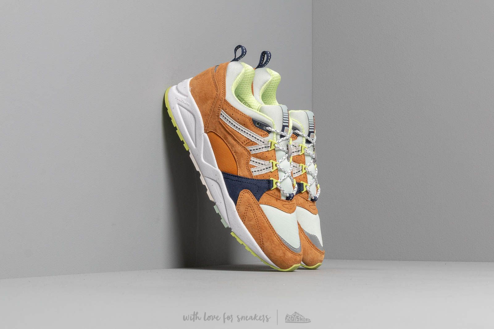 Karhu Fusion 2.0 Buckthorn Brown/ Blue Flower at a great price 117 € buy at Footshop