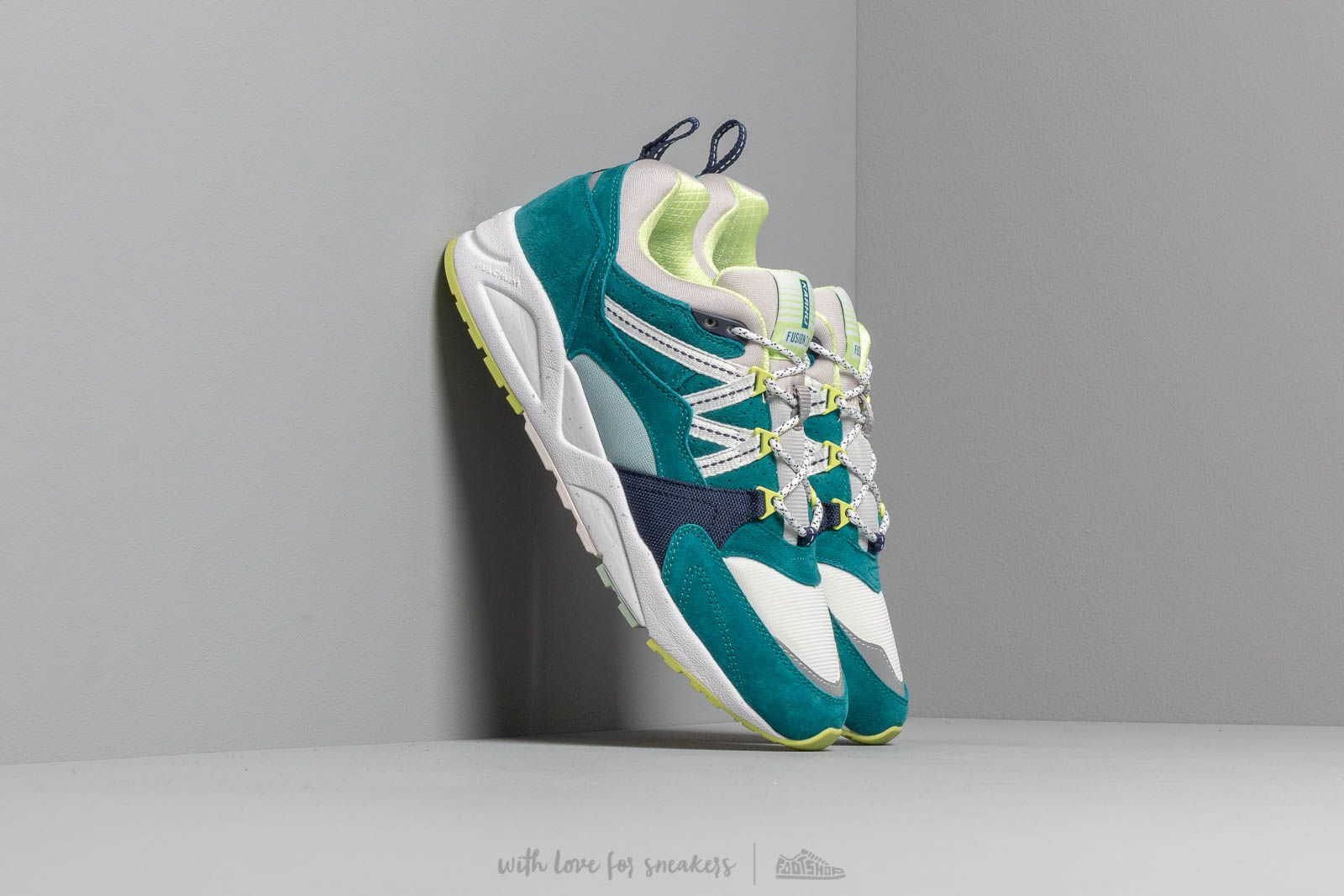 Karhu Fusion 2.0 Ocean Depths/ Foggy Dew at a great price 117 € buy at Footshop