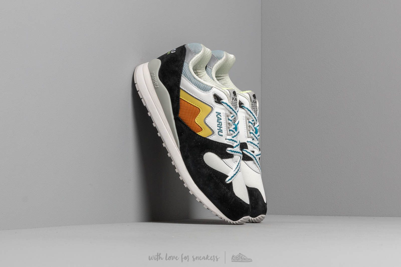Karhu Synchron Jet Black/ Celery at a great price 114 € buy at Footshop