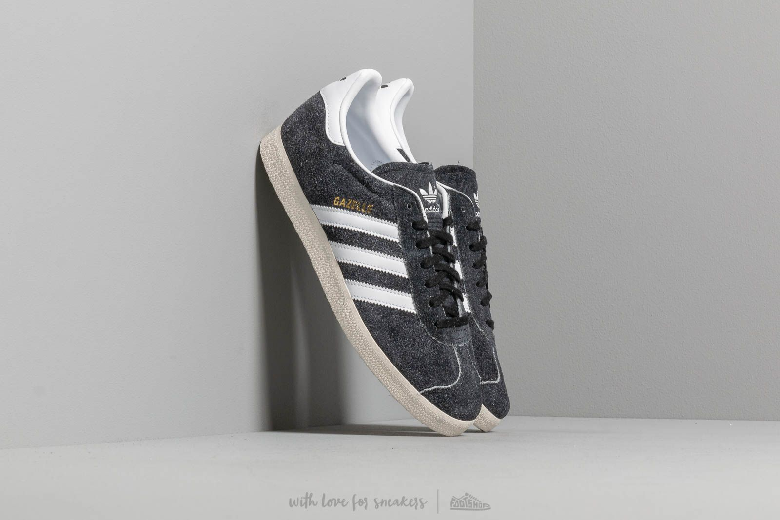 adidas Gazelle Core Black/ Ftw White/ Off White at a great price 91 € bestell bei Footshop