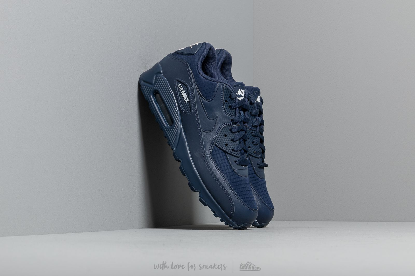 official photos 69218 9a1ee Nike Air Max 90 Essential Midnight Navy  White at a great price 132 € buy
