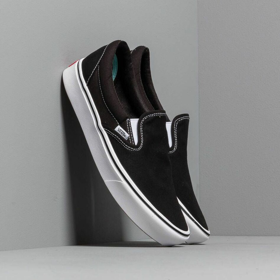 Vans ComfyCush Slip-On (Classic) Black/ True White EUR 42