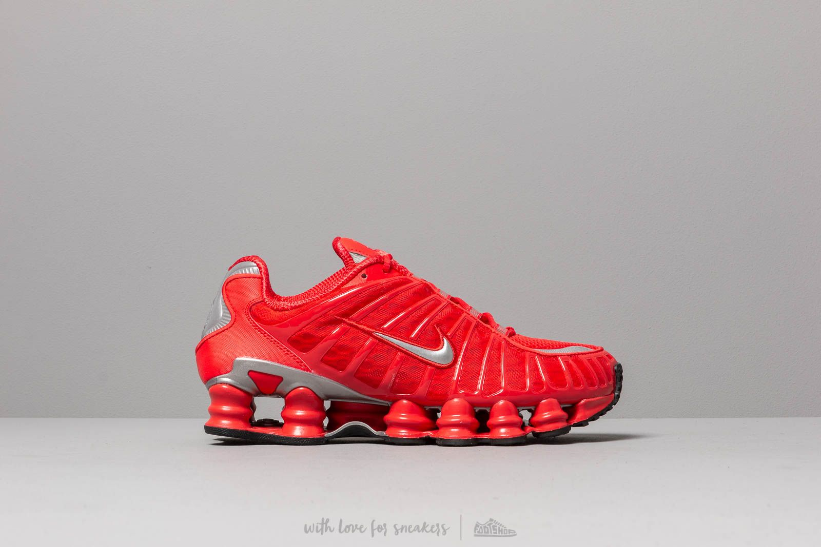1b3cfd5ea0cc Nike Shox TL Speed Red  Metallic Silver au meilleur prix 158 € Achetez sur  Footshop