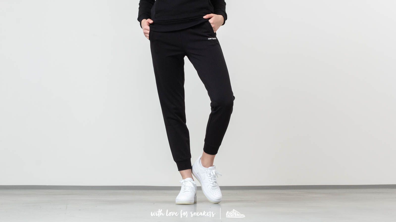 Carhartt WIP Script Embroidery Sweat Pant Black/ White at a great price 66 € buy at Footshop