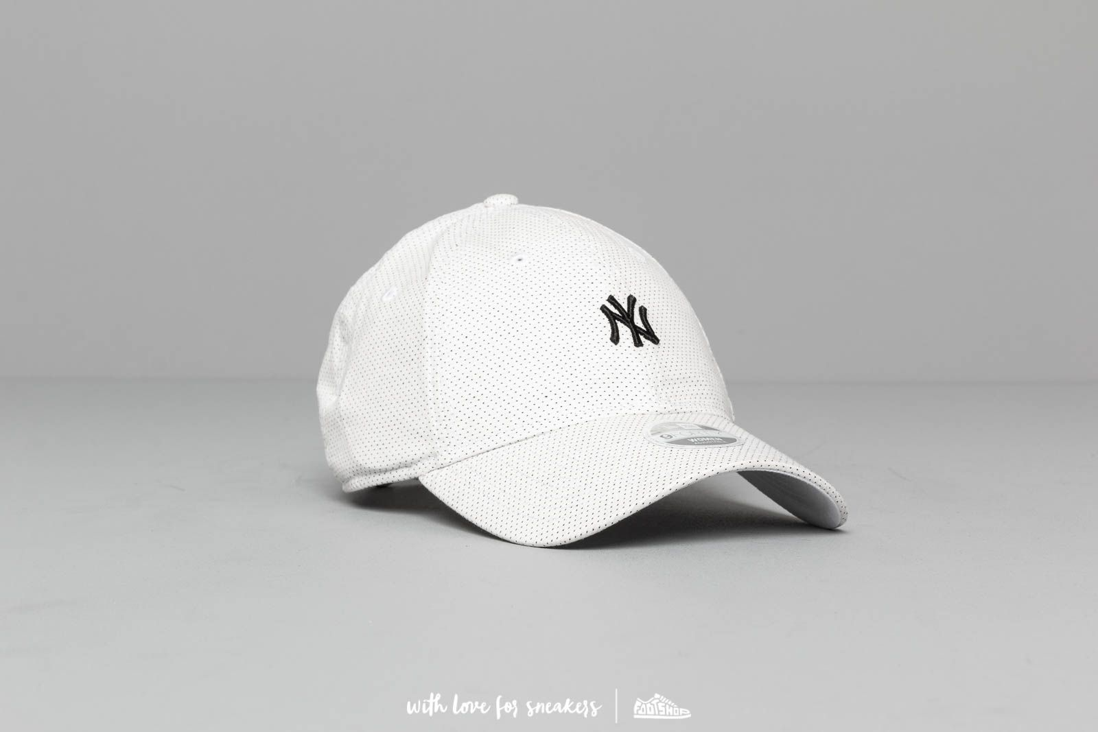 a970fc9f New Era 9Forty MLB Polkadot New York Yankees Cap White/ Navy | Footshop