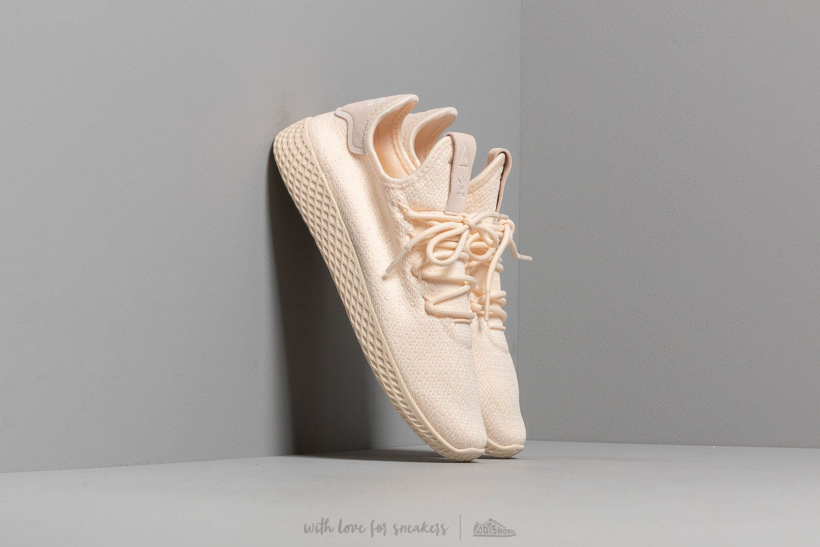 adidas Pw Tennis Hu W Ecru Tint/ Cloud White/ Core Black za skvělou cenu 2 490 Kč koupíte na Footshop.cz