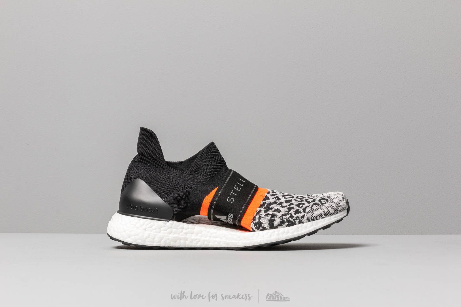 75f2010eca96d adidas x Stella McCartney Ultraboost X 3.D. S. Core Black  Chalk White   Solred