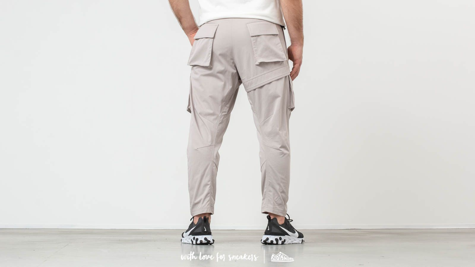 0c7a82e7142c9 Nike ACG Cargo Woven Pants Beige at a great price 158 € buy at Footshop