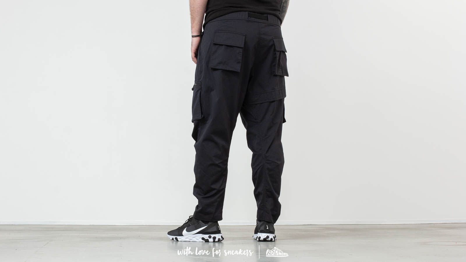 cce74b4825b86 Nike ACG Cargo Woven Pants Black at a great price 158 € buy at Footshop