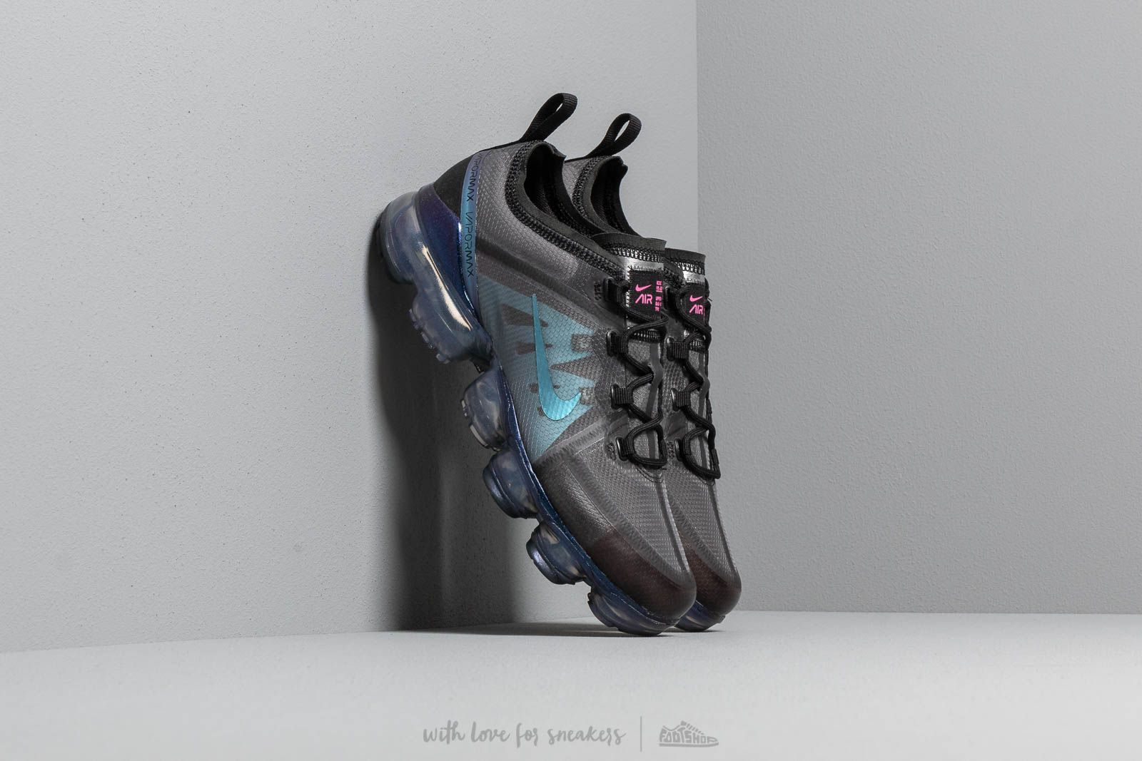 320d3a9f735c0 Nike Air Vapormax 2019 (GS) Black  Laser Fuchsia-Anthracite at a great