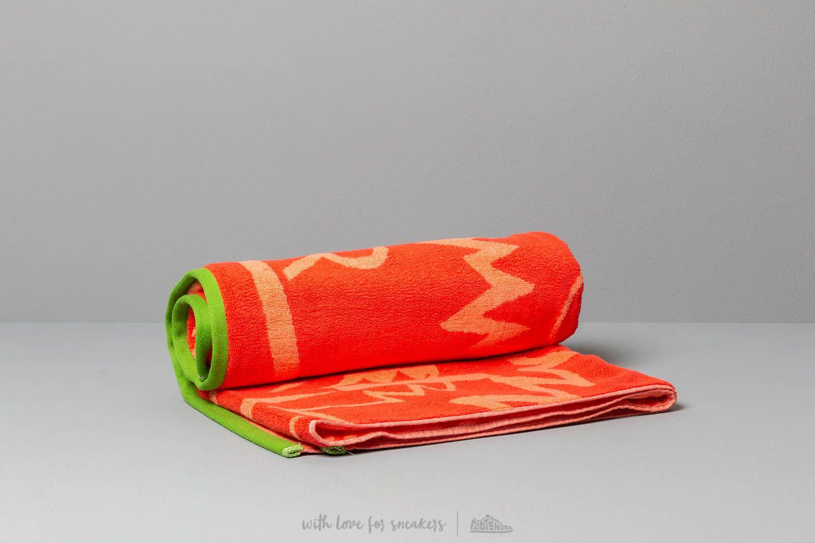 KENZO Big Tiger Beach Towel Red za skvelú cenu 110 € kúpite na Footshop.sk