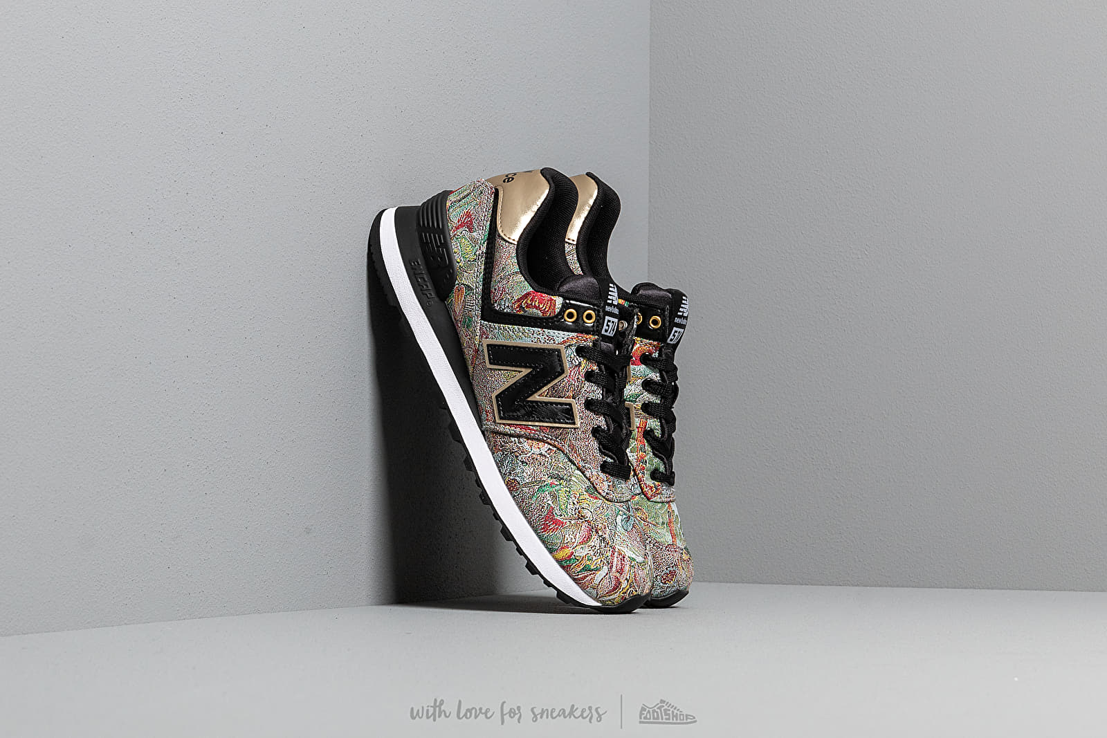 2bed5395fa00f New Balance 574 Sweet Nectar/ Black/ Classic Gold | Footshop