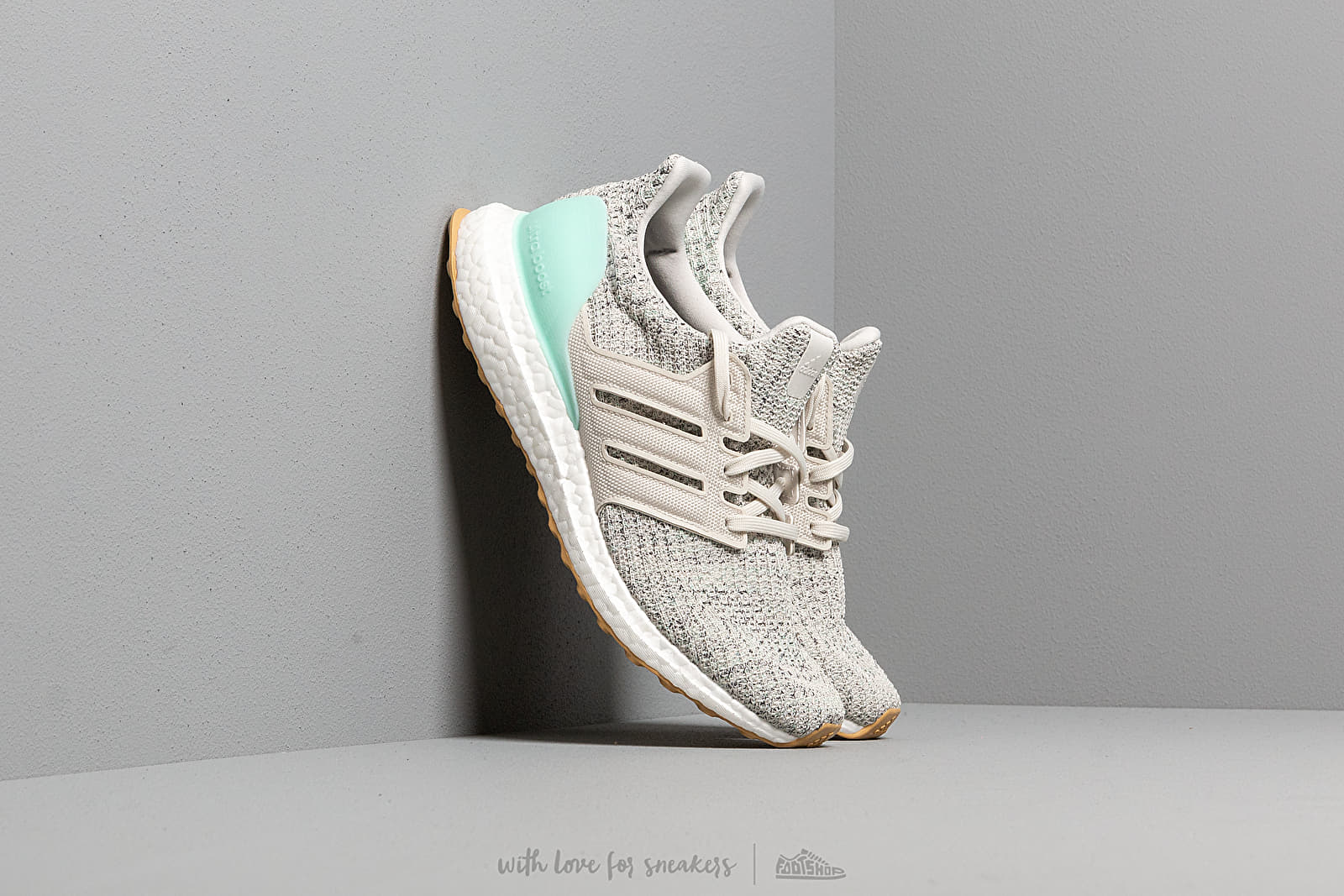 Dámské tenisky a boty adidas UltraBOOST W Clear Mint/ Raw White/ Carbon