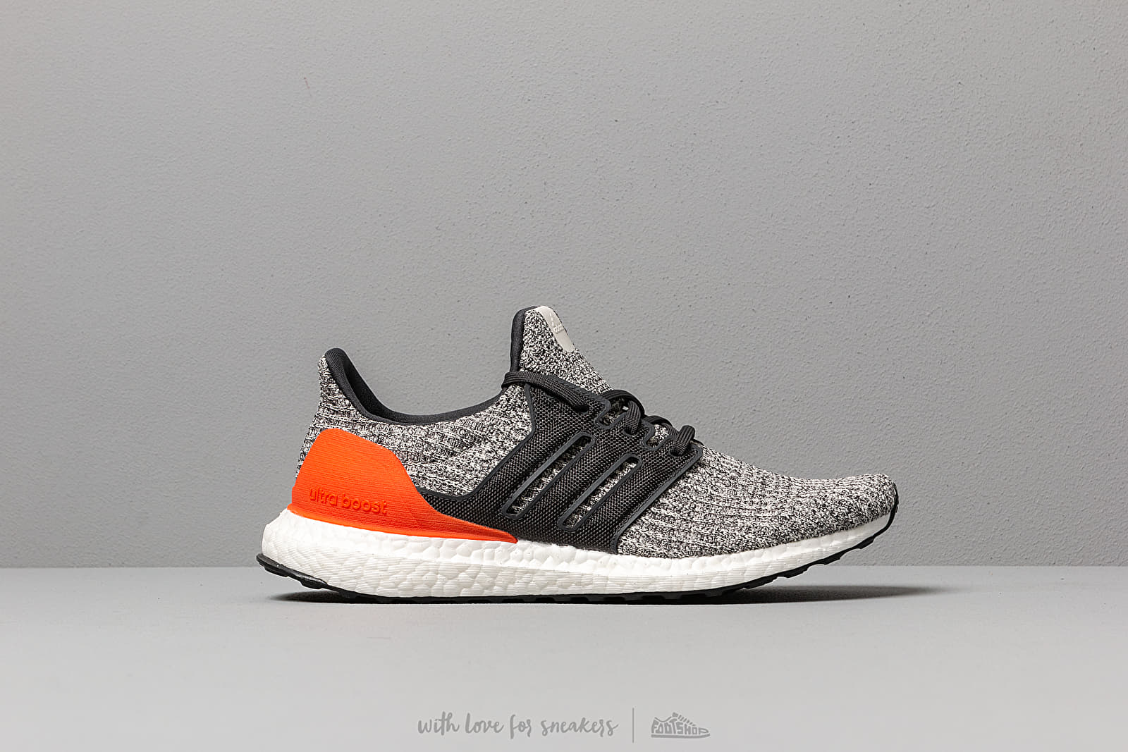 the best attitude ed5c1 483b5 adidas UltraBOOST Raw White  Carbon  Active Orange at a great price 176 €  buy