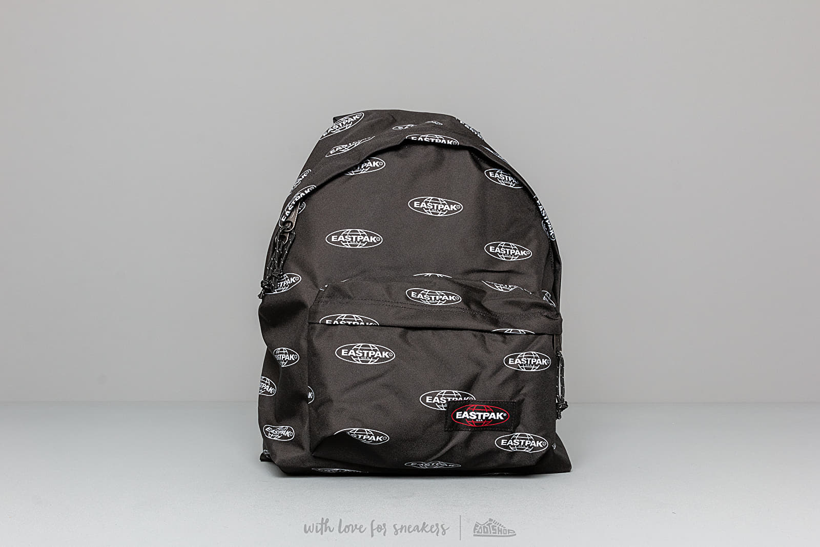 bf0f35ffd8 EASTPAK Padded Pak'r Chatty Logo Black au meilleur prix 48 € Achetez sur  Footshop