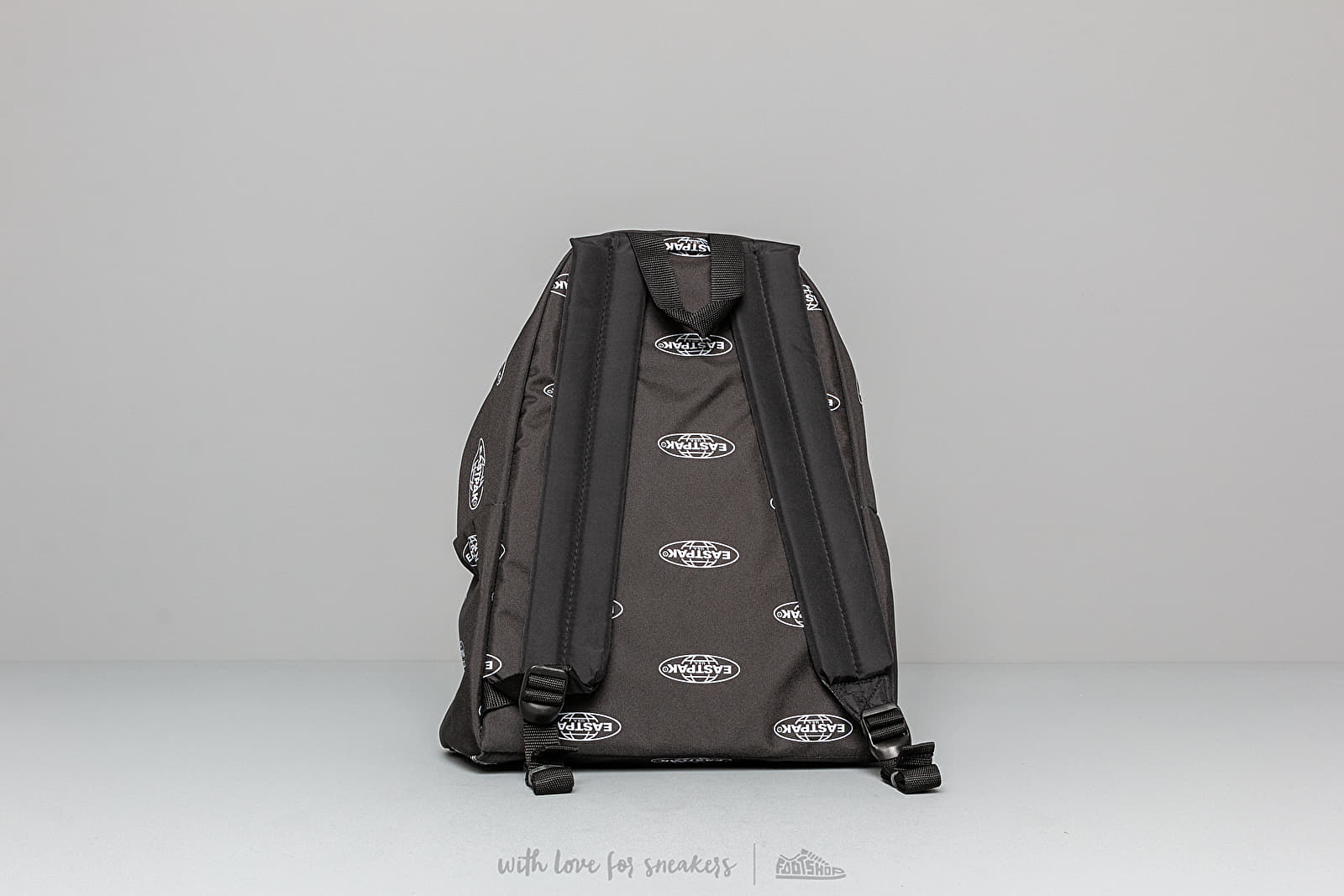 4634566a71e4a4 EASTPAK Padded Pak'r Chatty Logo Black W super cenie 219 zł kupuj na  Footshop