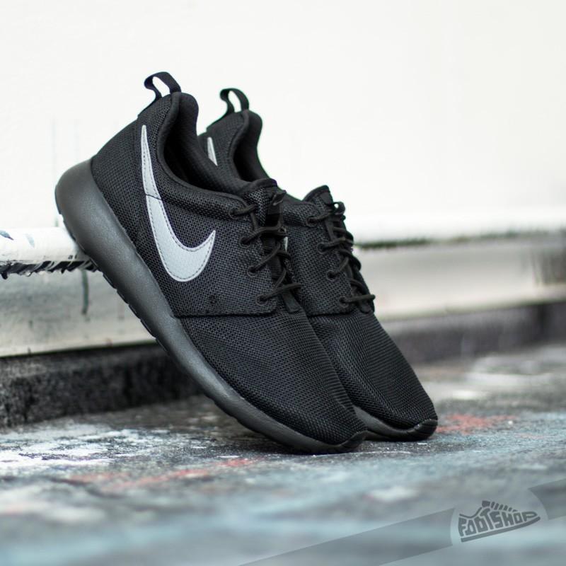 cca7b313e1ab Nike Roshe One (GS) Black  Cool Grey