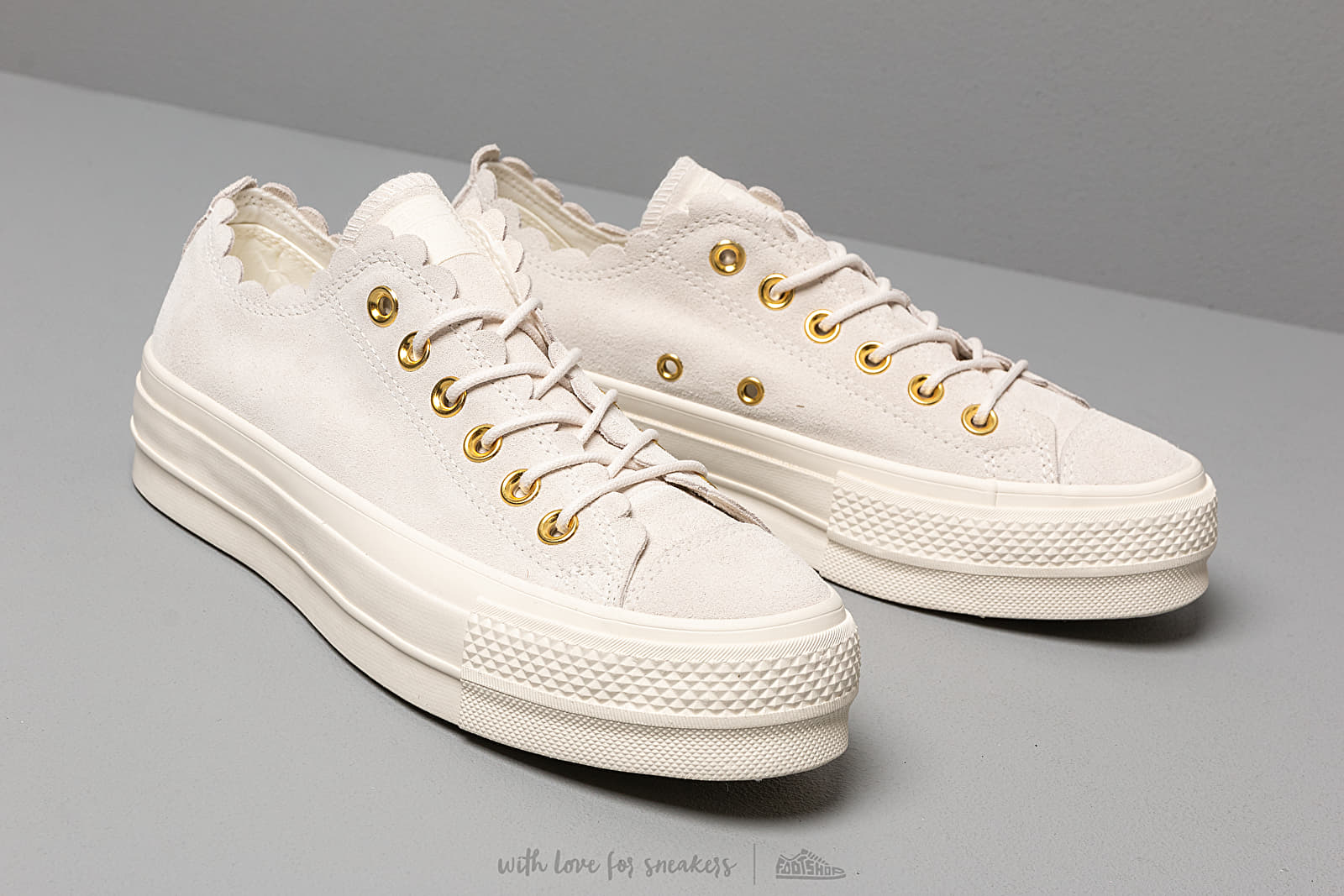 Women's shoes Converse Chuck Taylor AS