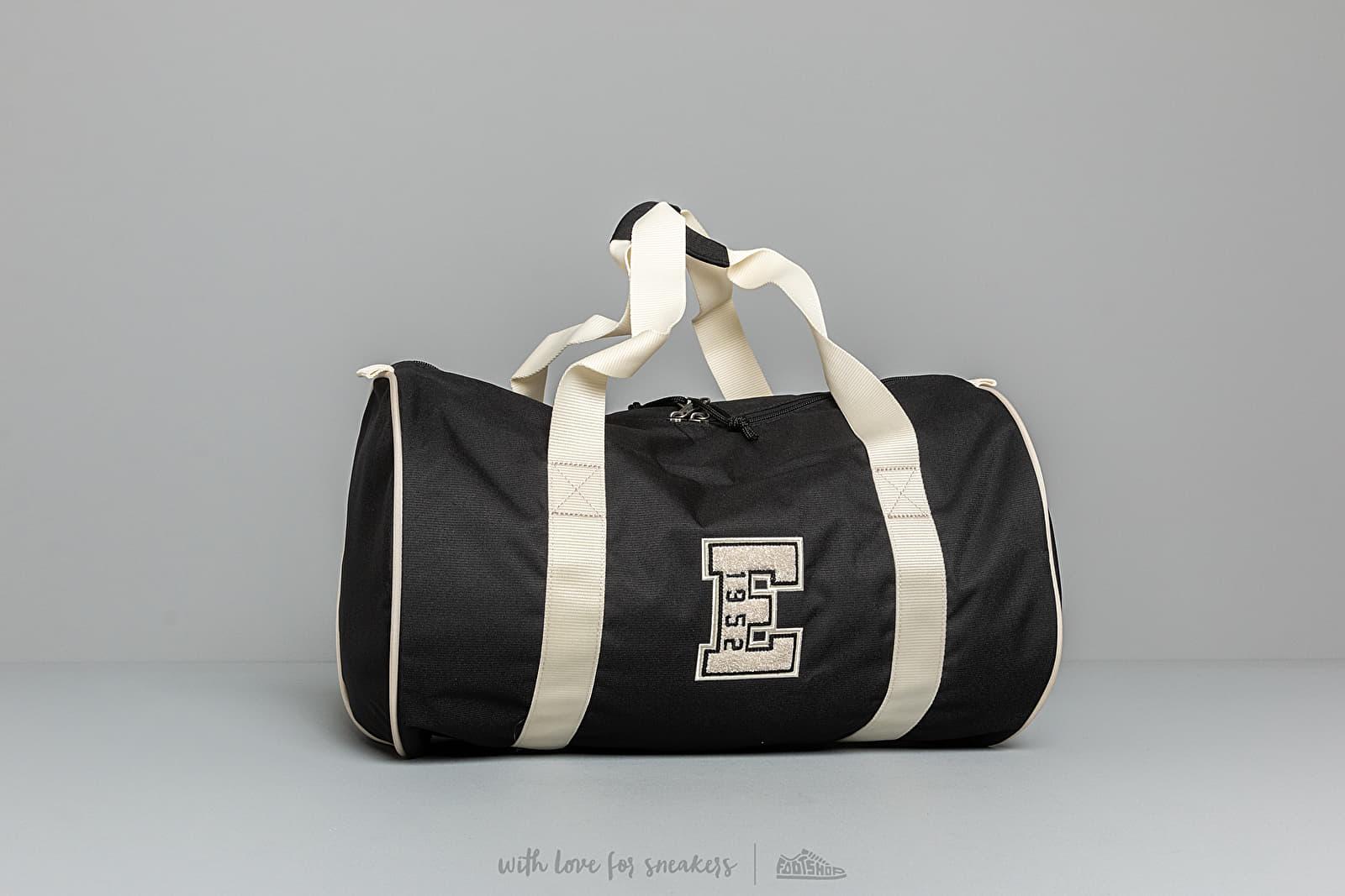 EASTPAK Renana New Era Black za skvelú cenu 58 € kúpite na Footshop.sk