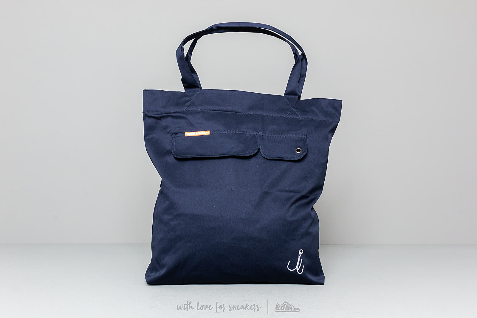 "Karhu X R-Collection: ""CATCH OF THE DAY"" Anorak Bag XL Patriot Blue at a great price 59 € buy at Footshop"