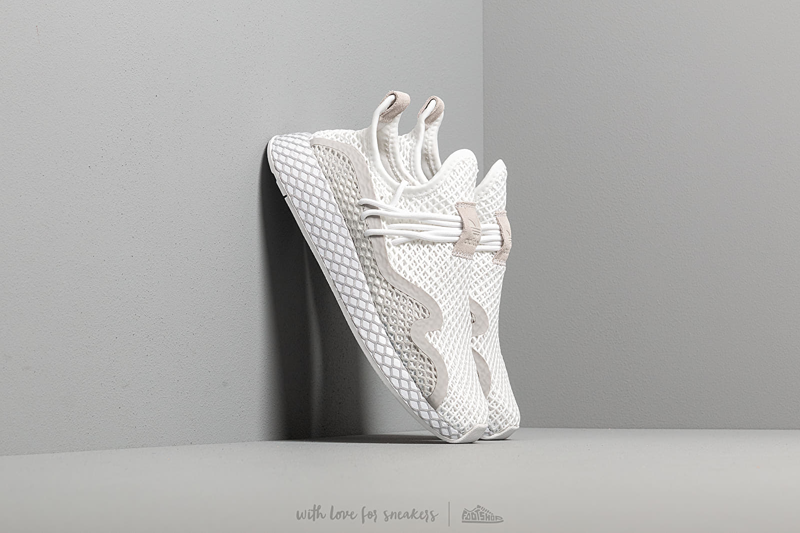adidas Deerupt S Ftw White/ Grey Two/ Core Black at a great price 217 лв купете в Footshop
