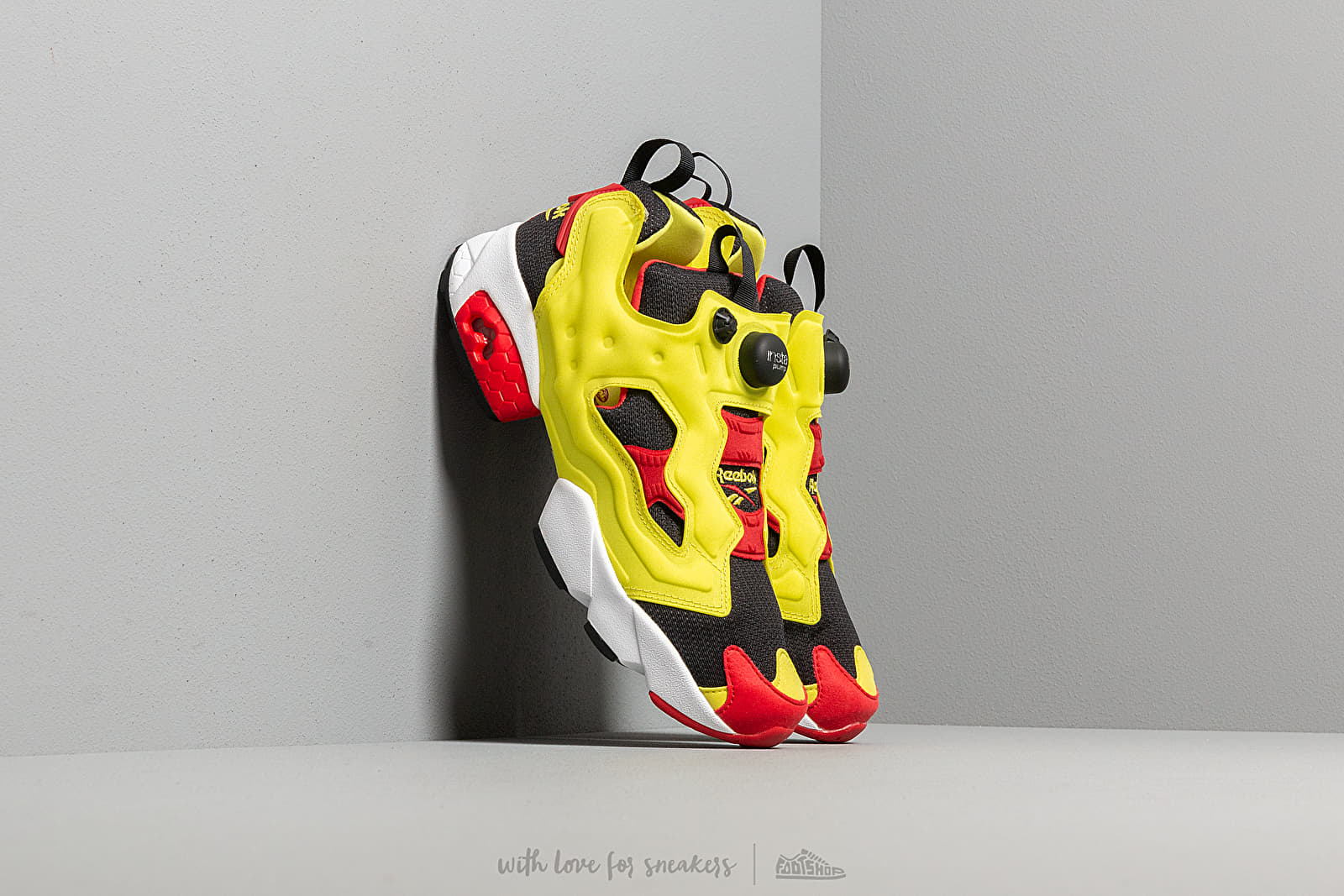 Reebok Instapump Fury OG Black/ Green/ Red/ White at a great price 176 € buy at Footshop
