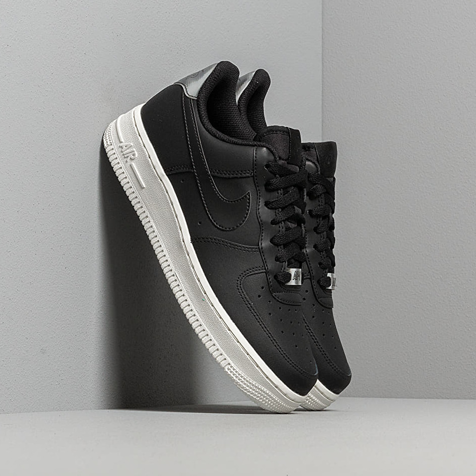 Nike Wmns Air Force 1 '07 Essential Black/ Black-Summit White EUR 38